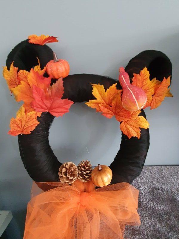 couronne halloween en forme de tête de Mickey