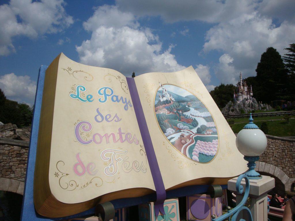 Le livre du pays des contes de fées