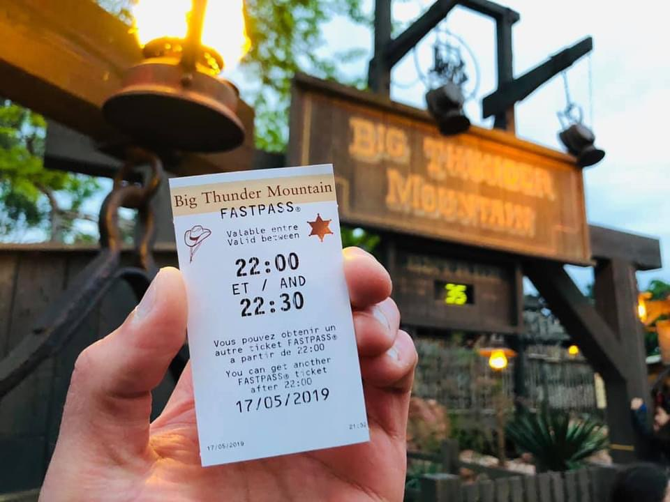 A Big Thunder Mountain faspass ticket held in the hand